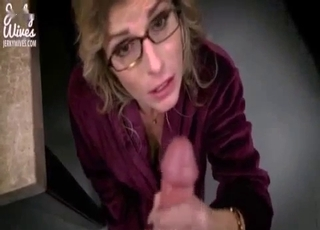 Kinky mommy cannot stop sucking it