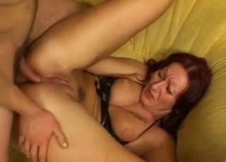 Bouncy boobs MILF enjoying anal
