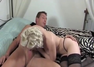 Slut in stockings worships daddy's dick