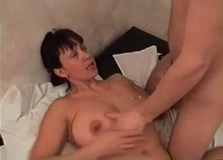 Saggy tits MILF gets face-fucked