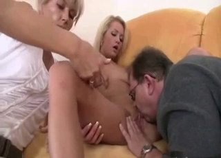 Tanned babe licked by her dad as mom watches