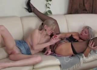 Blonde's pussy fucked by her daughter