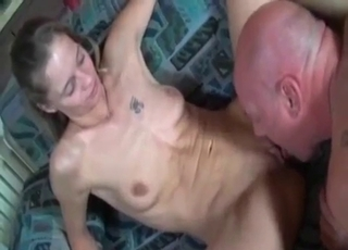 Tatted-up bitch worships dad's dick
